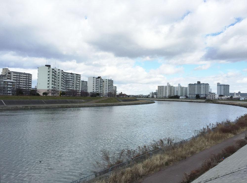 相川河川敷