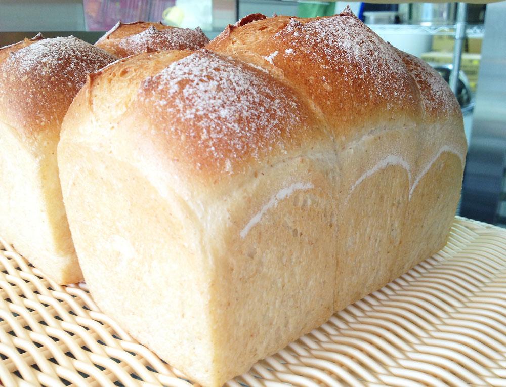 焼きたてパン Pecori
