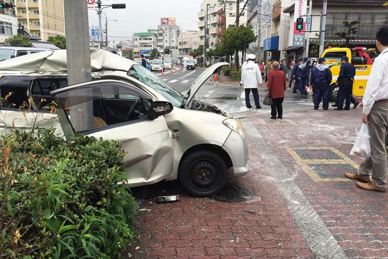 関西スーパー瑞光店 交差点 事故