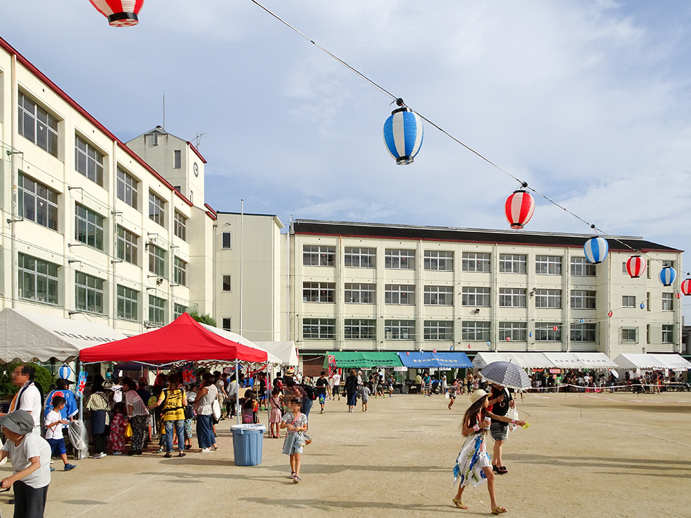 豊里南小学校模擬店夏祭り