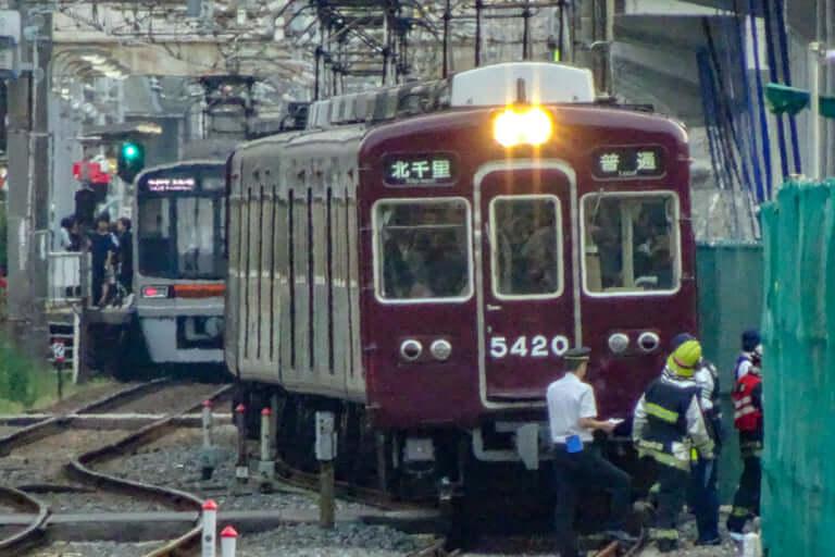 【東淀川区】本日13日、阪急千里線柴島駅-淡路駅間の踏切で人身事故が発生。阪急千里線が一部区間で運転を見合わせています。【運転再開しました】