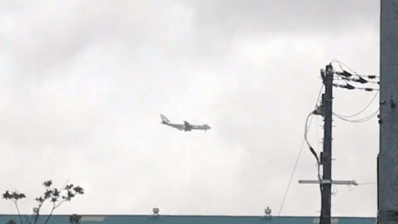 【東淀川区】G20大阪サミットの開催でトランプ大統領を乗せたエアフォースワンが大阪空港(伊丹空港)へ。東淀川区の空を通過しました。
